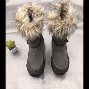 Sorely fur winter boots size 9